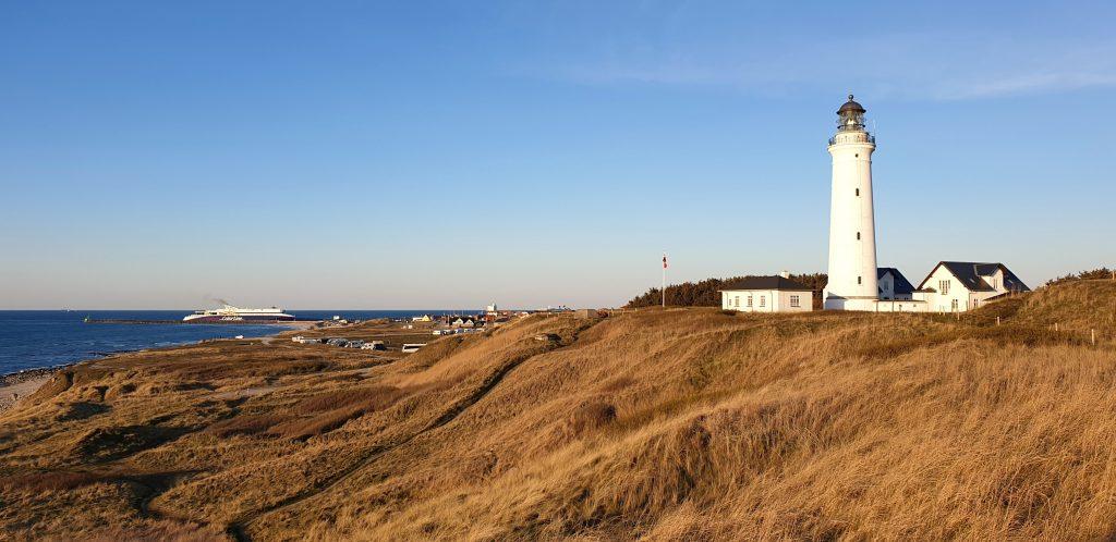 Hirtshals Camping med bobil og fyrtårn