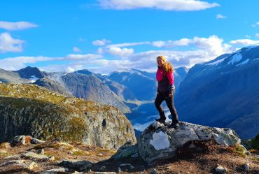 Reisebrev 2 – Høstferie på Loens tak
