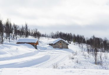 Bobilparkering på Skinnarbu – midt på vinterfjellet
