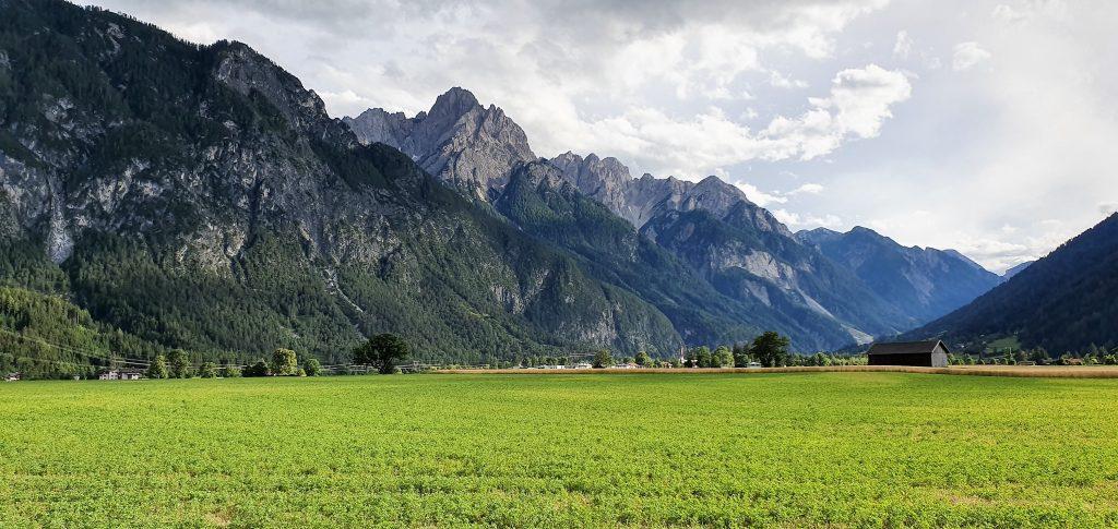 Utsikt fra campingplassen i Lienz mot Dolmittene.